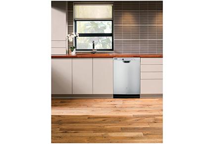 3026-19 GE Dishwasher Lifestyle Photo