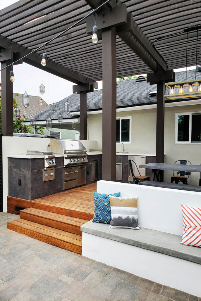 Pippen Patio Sitting Area and Outside Dinning