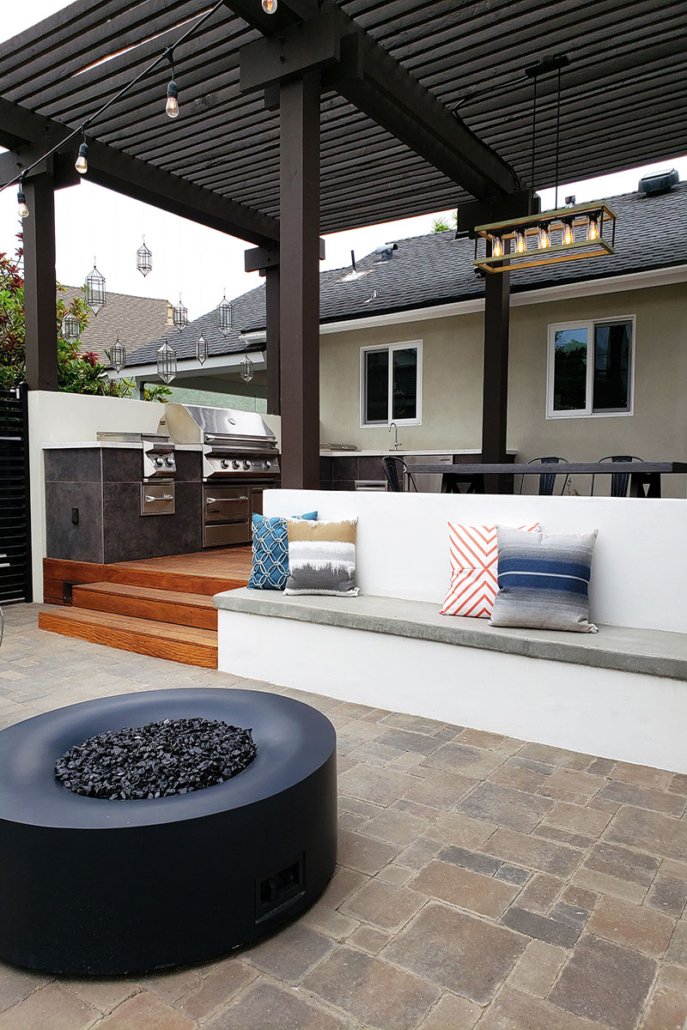 Pippen Patio BBQ and Fire Pit III
